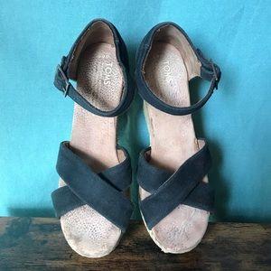 Toms black canvas wedge sandal 6.5